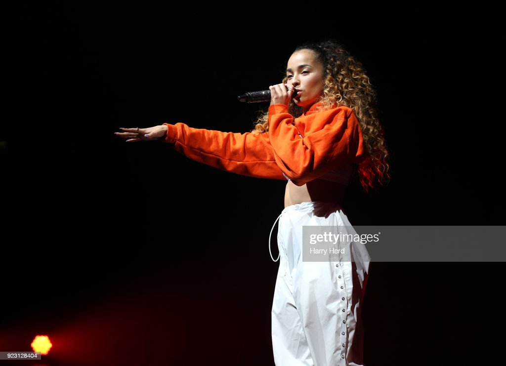 Ella Eyre Performs in Bournemouth