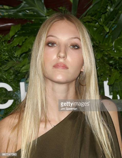 Ella Richards attends the 11th Annual God's Love We Deliver Golden Heart Awards at Spring Studios on October 16 2017 in New York City