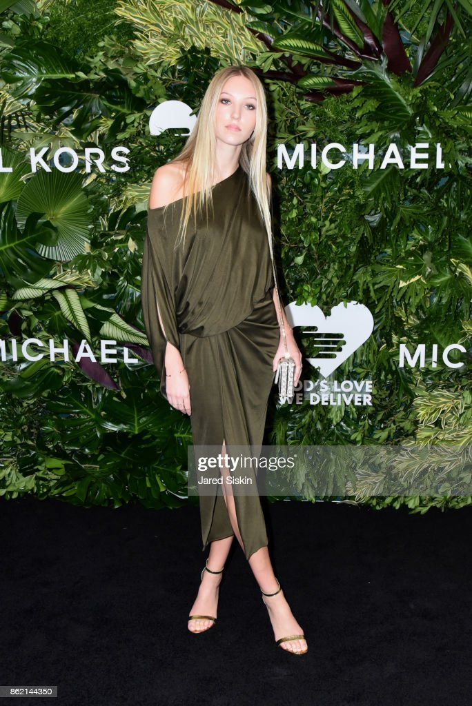 Ella Richards attends The 11th Annual Golden Heart Awards benefiting God's Love We Deliver at Spring Studios on October 16, 2017 in New York City.