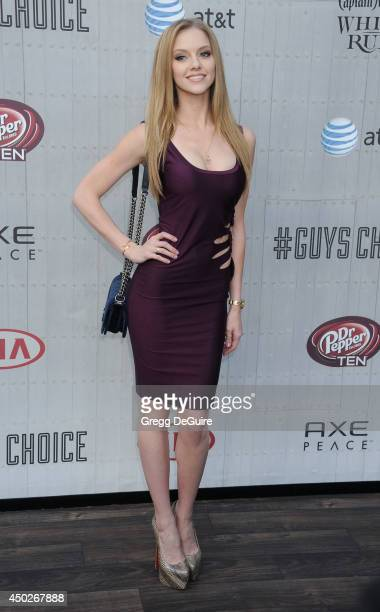 Elle Evans arrives at Spike TV's Guys Choice Awards at Sony Studios on June 7 2014 in Los Angeles California