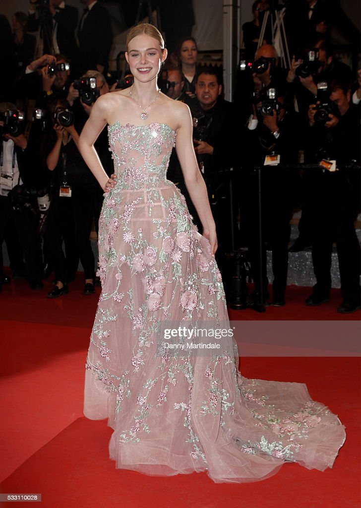 """The Neon Demon"" - Red Carpet Arrivals - The 69th Annual Cannes Film Festival : News Photo"