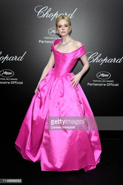 Elle Fanning attends the Chopard Love Night photocall on May 17 2019 in Cannes France