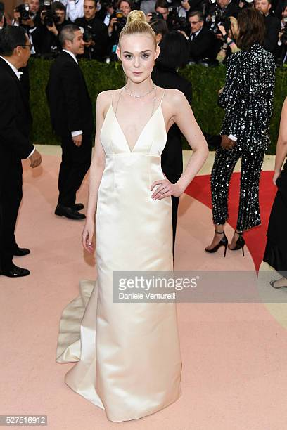 Elle Fanning attends the 'Manus x Machina Fashion In An Age Of Technology' Costume Institute Gala at Metropolitan Museum of Art on May 2 2016 in New...