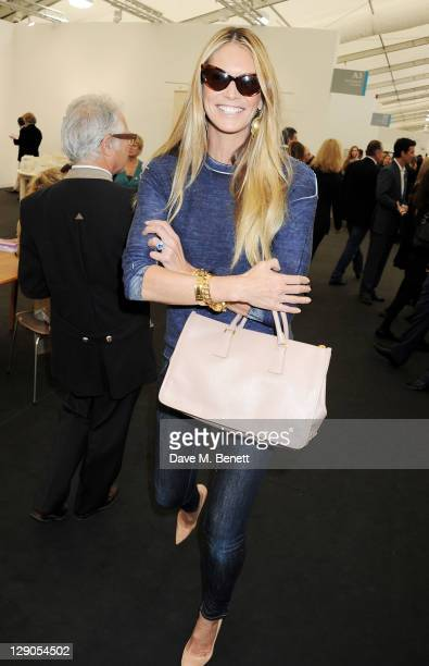 Elle Macpherson attends a VIP preview of the Frieze Art Fair in Regent's Park on October 12 2011 in London England