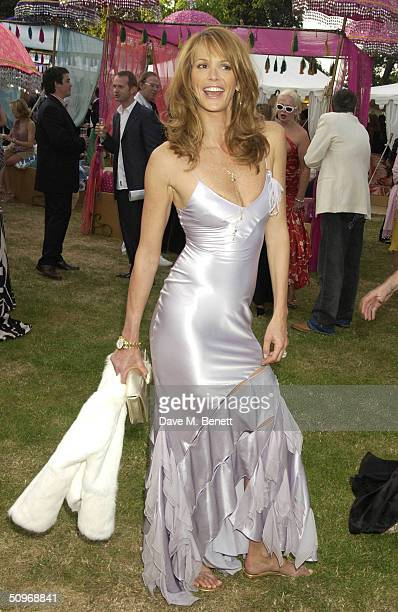 Elle MacPherson attends The Serpentine Gallery's annual summer party at the The Serpentine Gallery on June 16, 2004 in London.