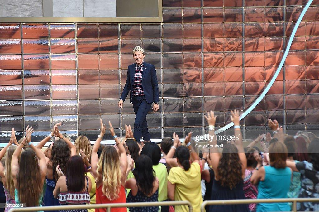 """""""The Ellen DeGeneres Show"""" Season 13 Bi-Coastal Premiere : News Photo"""