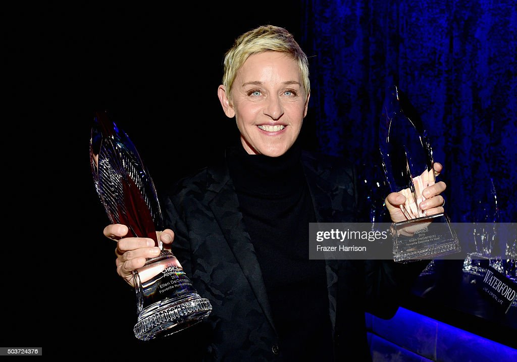 People's Choice Awards 2016 - Backstage And Audience : ニュース写真
