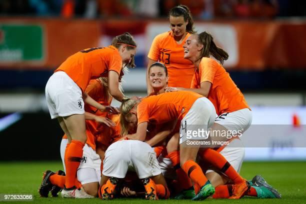 Ellen Jansen of Holland Women Stefanie van der Gragt of Holland Women Sherida Spitse of Holland Women Jackie Groenen of Holland Women Jill Roord of...