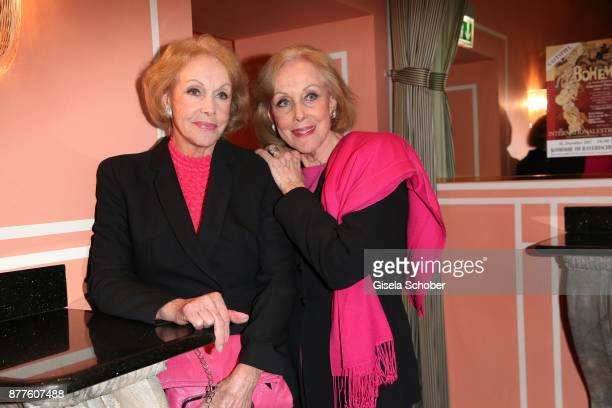 Ellen Kessler and her twin sister Alice Kessler during the 'Josef und Maria' premiere at Komoedie theatre on November 22 2017 in Munich Germany