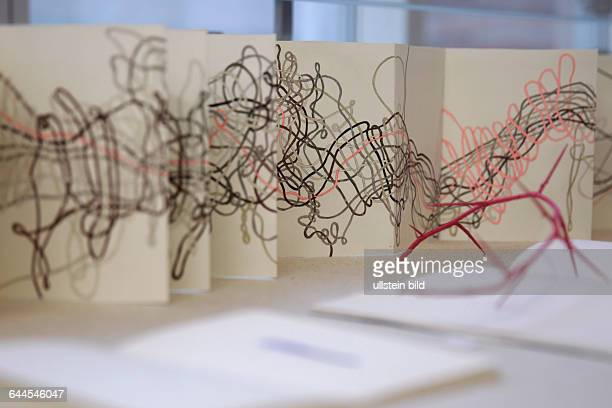 """Ellen Keusen gastiert mit ihrer Ausstellung """"Probebühne Künstlerbücher von Ellen Keusen"""" vom 21 März bis 17 Mai 2015 in der Kunst und..."""