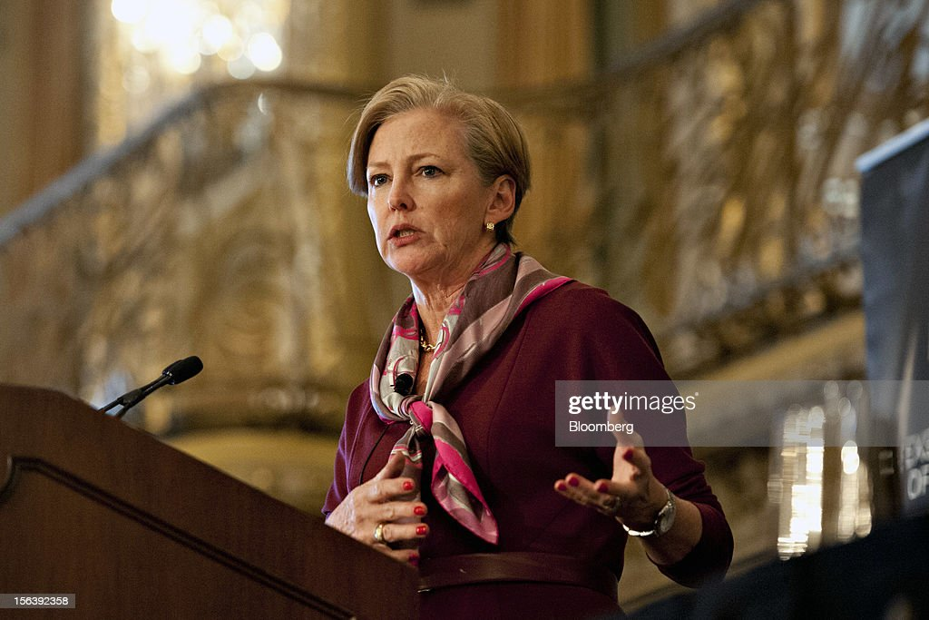 DuPont CEO Ellen Kullman Speaks At Executives Club Luncheon