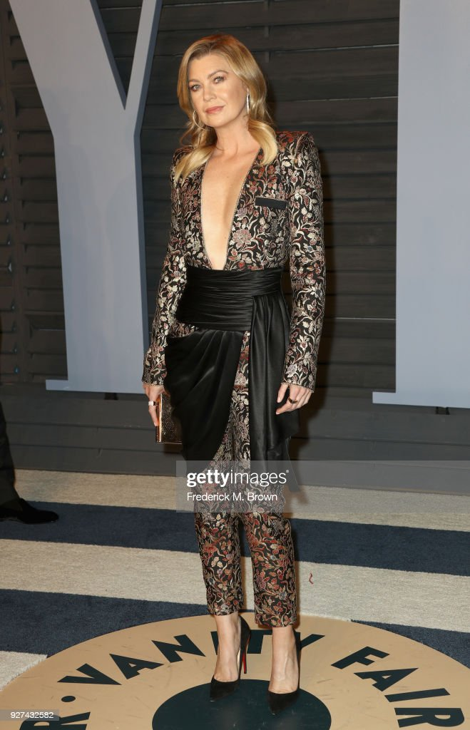 Ellen Pompeo attends the 2018 Vanity Fair Oscar Party hosted by Radhika Jones at Wallis Annenberg Center for the Performing Arts on March 4, 2018 in Beverly Hills, California.
