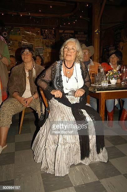 Ellen Schwiers Gäste Party zum 75 Geburtstag von E l l e n S c h w i e r s München/ Feldmoching PNr 834/2005 Lokal Rattlesnake Country und...