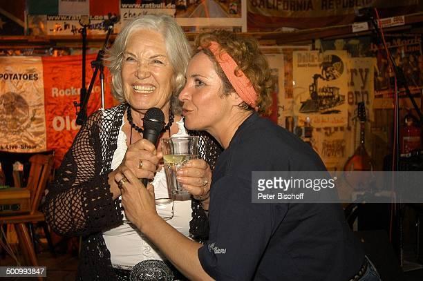 Ellen Schwiers Tochter Katerina Jacob Party zum 75 Geburtstag von E l l e n S c h w i e r s München/ Feldmoching PNr 834/2005 Lokal Rattlesnake Bühne...