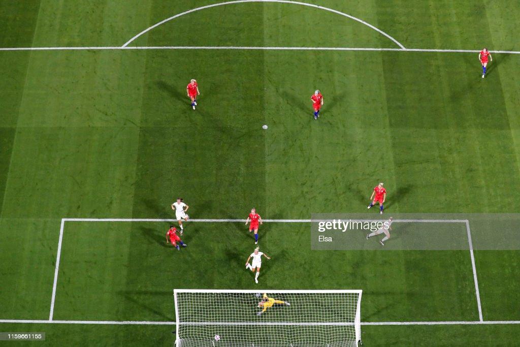 England v USA: Semi Final - 2019 FIFA Women's World Cup France : News Photo
