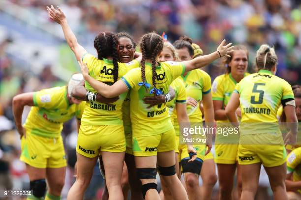 Ellia Green of Australia celebrates victory with team mates at the end of final match against New Zealand during day three of the 2018 Sydney Sevens...