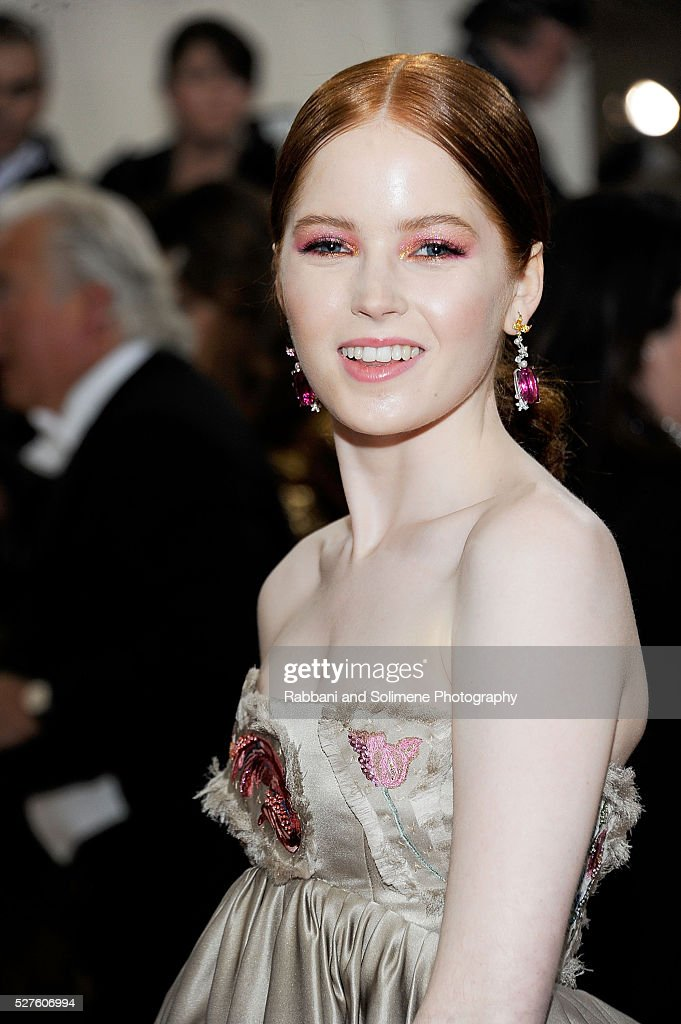Ellie Bamber Attends Manus X Machina Fashion In An Age Of