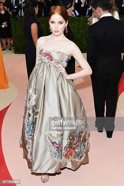 Ellie Bamber attends the 'Manus x Machina Fashion In An Age Of Technology' Costume Institute Gala at Metropolitan Museum of Art on May 2 2016 in New...