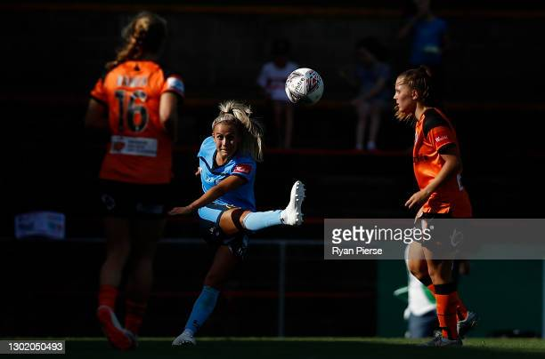 Ellie Brush of Sydney FC kiclsduring the round eight W-League match between Sydney FC and the Brisbane Roar at Leichhardt Oval, on February 14 in...