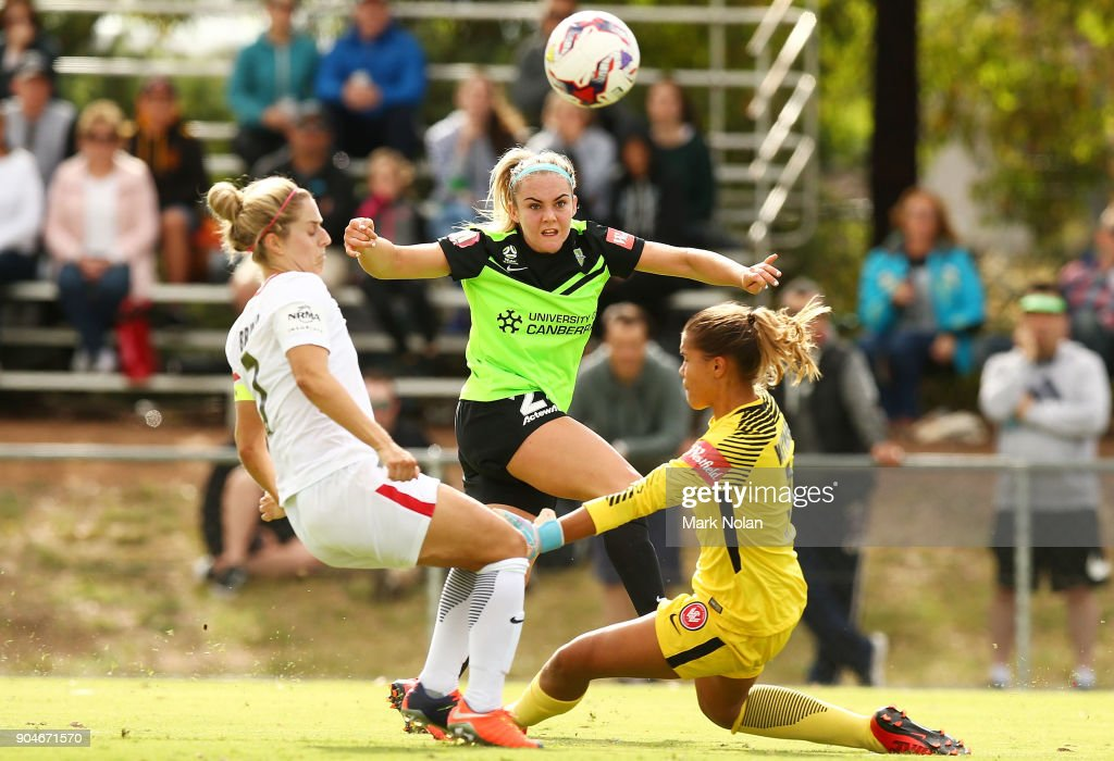 Ellie Carpenter of Canberra in action during the round 11 W-League match between Canberra United and the Western Sydney Wanderers at McKellar Park on January 14, 2018 in Canberra, Australia.