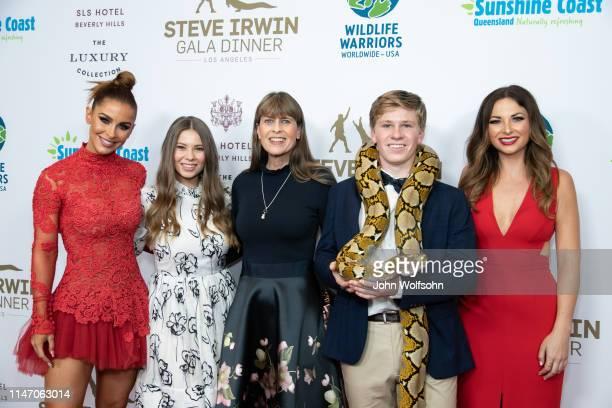 Ellie Gonsalves Bindi Irwin Terri Irwin Robert Irwin and Lauren Zima attend the Steve Irwin Gala Dinner at SLS Hotel on May 04 2019 in Beverly Hills...
