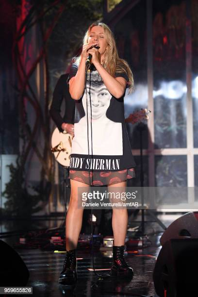 Ellie Goulding performs at the amfAR Gala Cannes 2018 at Hotel du CapEdenRoc on May 17 2018 in Cap d'Antibes France