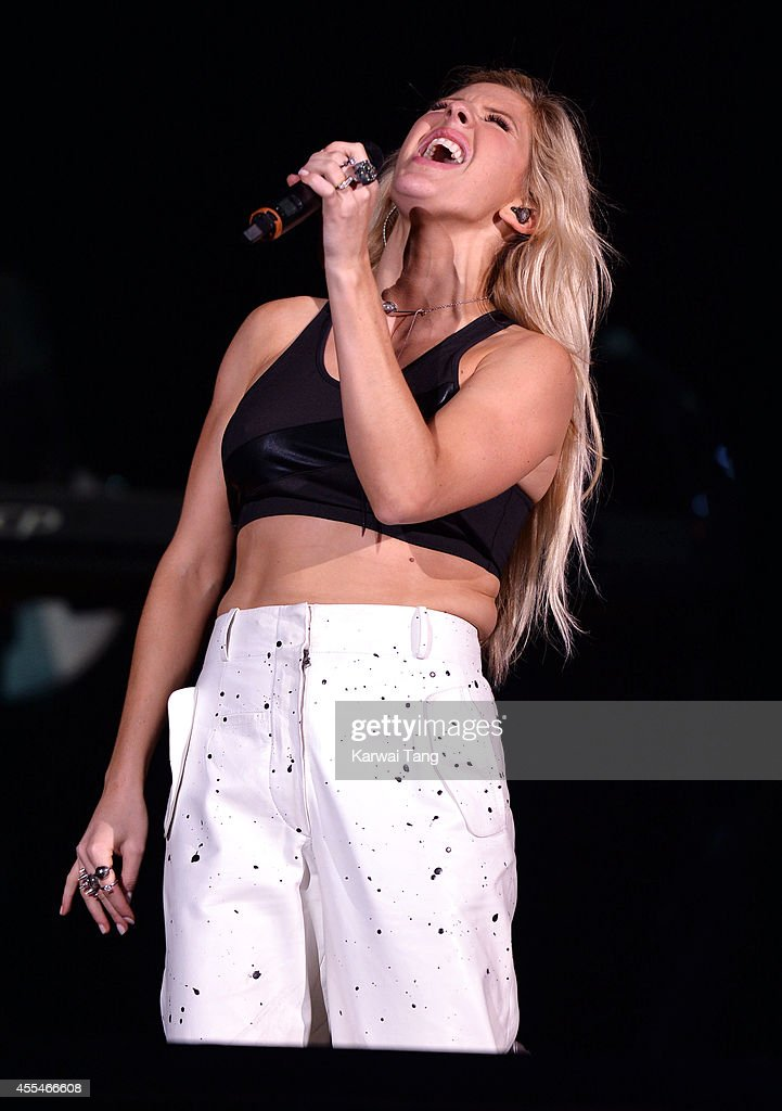 Ellie Goulding performs at the Invictus Games closing ceremony at Queen Elizabeth Olympic Park on September 14, 2014 in London, England.