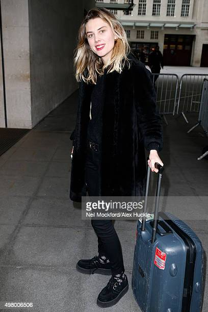 Ellie Rowsell of the band 'Wolf Alice' seen arriving at the BBC Radio 1 Studios on November 20 2015 in London England Photo by Neil Mockford/Alex...