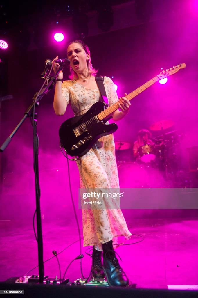 Ellie Rowsell of Wolf Alice performs on stage at Sala Apolo on January 5, 2018 in Barcelona, Spain.