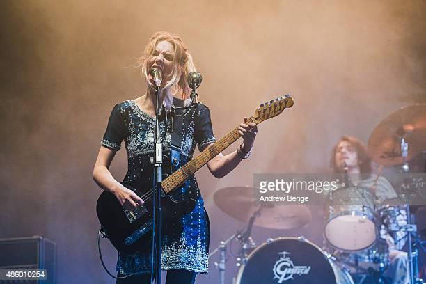 Ellie Rowsell of Wolf Alice performs on the NME Radio 1 stage during day 3 of Leeds Festival at Bramham Park on August 30, 2015 in Leeds, England.