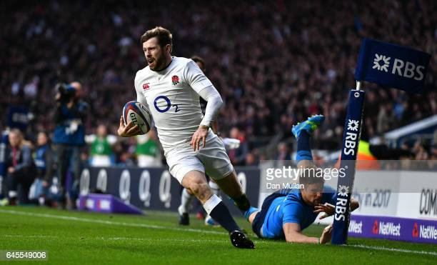 Elliot Daly of England scores his team's third try during the RBS Six Nations match between England and Italy at Twickenham Stadium on February 26...