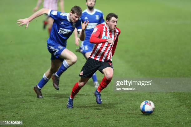 Elliot Embleton of Sunderland runs at the Ipswich defence during the Sky Bet League One match between Ipswich Town and Sunderland at Portman Road on...