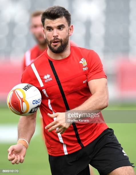 Elliot Kear passes the ball during a Wales Rugby League World Cup captain's run at the Oil Search National Football Stadium on October 27 2017 in...