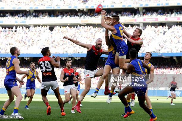 Elliot Yeo of the Eagles goes for the mark during the AFL Prelimary Final match between the West Coast Eagles and the Melbourne Demons on September...