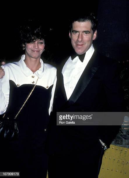 Elliott Gould and Jennifer Bogart during Fundraiser for Gary Hart November 2 1985 in Brentwood California United States