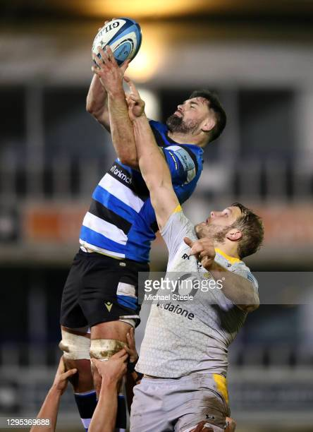 Elliott Stooke of Bath and Joe Launchbury of Wasps compete for the lineout during the Gallagher Premiership Rugby match between Bath and Wasps at The...