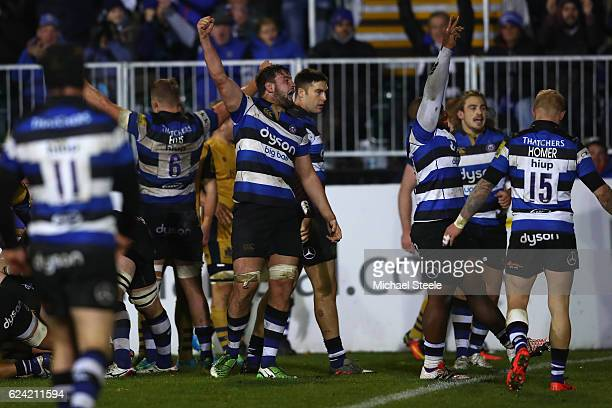 Elliott Stooke of Bath celebrates his sides 169 victory at the whistle during the Aviva Premiership match between Bath Rugby and Bristol Rugby at the...