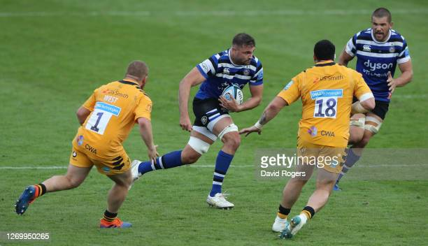 Elliott Stooke of Bath charges upfield during the Gallagher Premiership Rugby match between Bath Rugby and Wasps at the Recreation Ground on August...