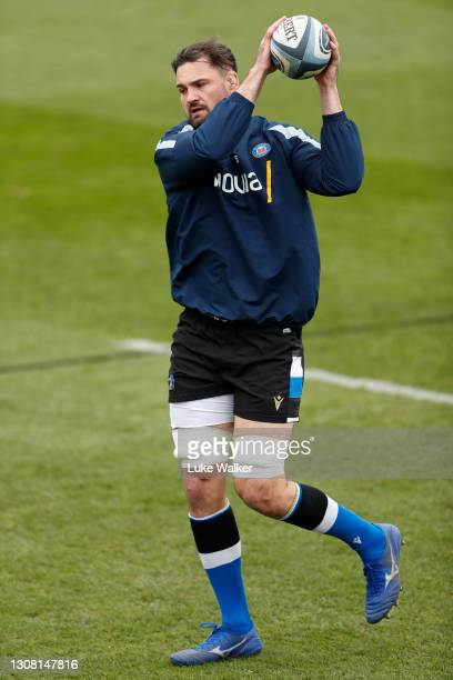 Elliott Stooke of Bath Rugby warms up prior to the Gallagher Premiership Rugby match between Bath and Worcester Warriors at The Recreation Ground on...