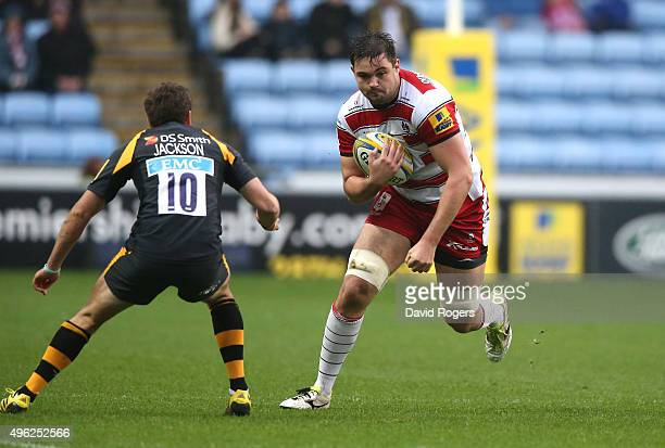 Elliott Stooke of Gloucester takes on Ruaridh Jackson challenges during the Aviva Premiership match between Wasps and Gloucester at The Ricoh Arena...
