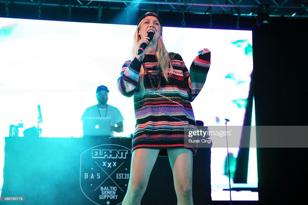 Elliphant performs on day 2 of Reading Festival at Richfield Avenue on August 29, 2015 in Reading, England.