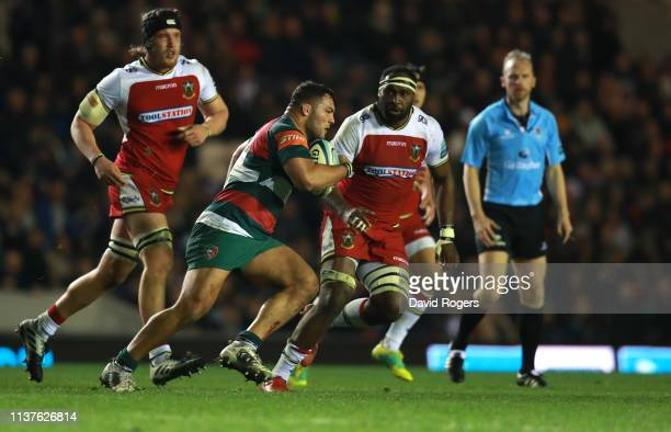 Ellis Genge of Leicester Tigers breaks with the ball during the Gallagher Premiership Rugby match between Leicester Tigers and Northampton Saints at...