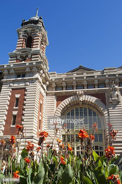 Ellis Island This island was the main gateway to all immigrants arriving in New York from 18921954 Here they spent almost 100 million people mainly...