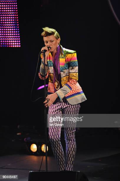 Elly Jackson of La Roux performs live at the 2009 Barclaycard Mercury Prize at The Grosvenor House Hotel on September 8 2009 in London England