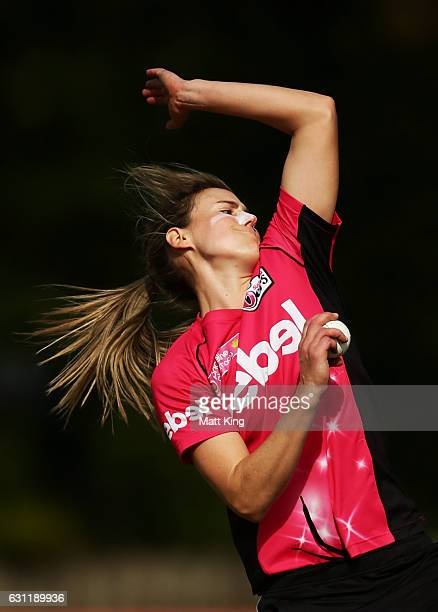 Ellyse Perry of the Sixers bowls during the Women's Big Bash League match between the Perth Scorchers and the Sydney Sixers at Hurstville Oval on...