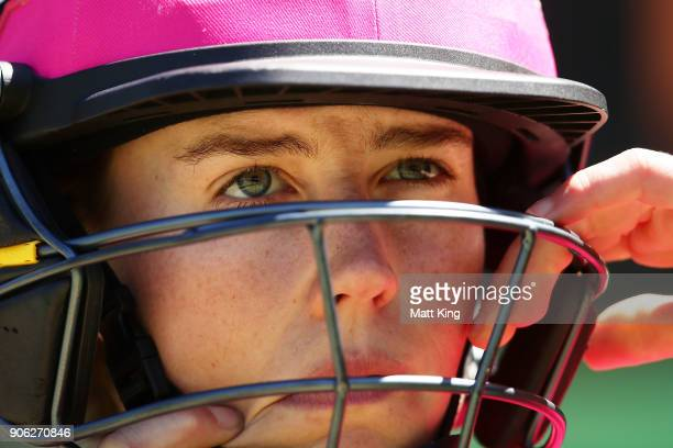 Ellyse Perry of the Sixers prepares to bat during the Women's Big Bash League match between the Sydney Sixers and the Brisbane Heat at Sydney Cricket...