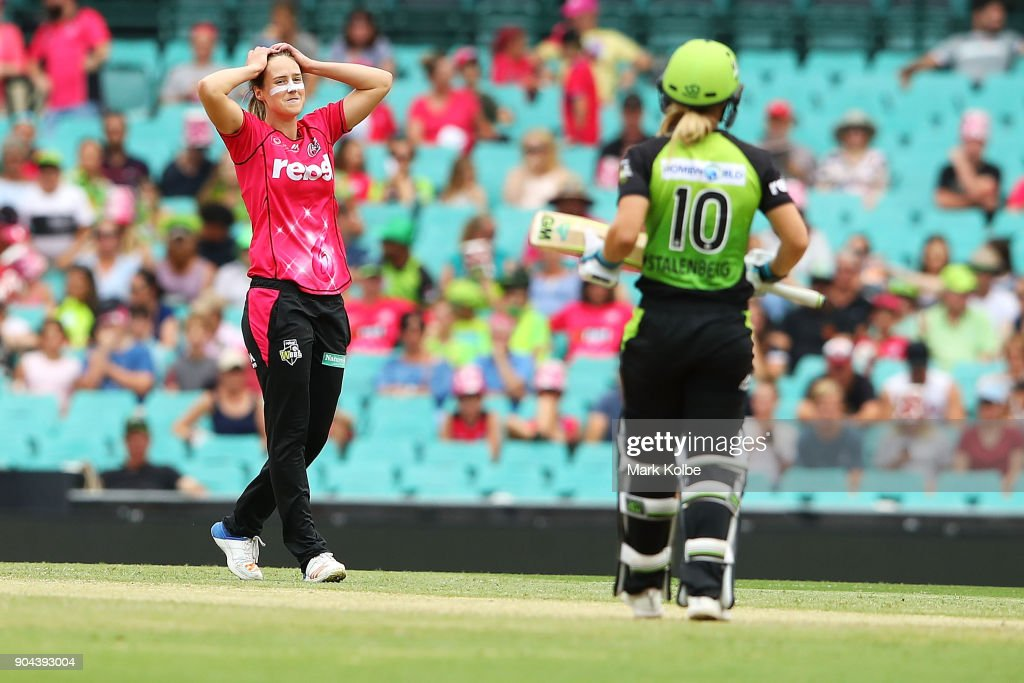Ellyse Perry of the Sixers shows her frustration as Naomi Stalenberg of the Thunder bats during the Women's Big Bash League match between the Sydney Sixers and the Sydney Thunder at Sydney Cricket Ground on January 13, 2018 in Sydney, Australia.