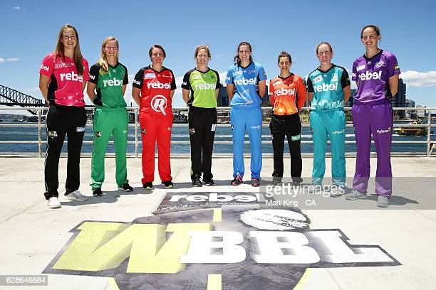 SYDNEY AUSTRALIA DECEMBER Ellyse Perry of the Sydney Sixers Meg Lanning of the Melbourne Stars Rachael Priest of the Melbourne Renegades Alex...
