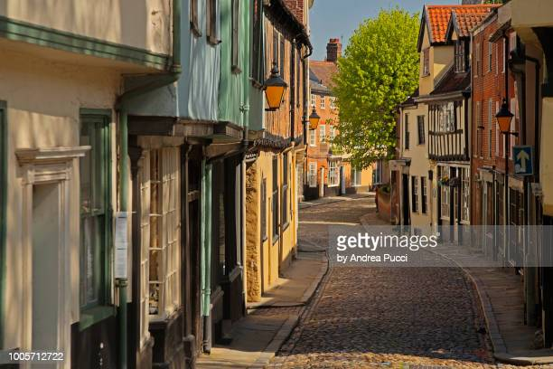 elm hill, norwich, norfolk, united kingdom - east anglia stock pictures, royalty-free photos & images
