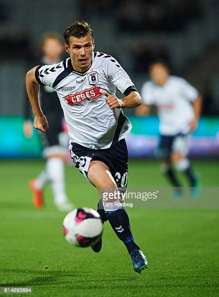 Elmar Bjarnason of AGF Aarhus controls the ball during the Danish Alka Superliga match between AGF Aarhus and AC Horsens at Ceres Park on October 14...